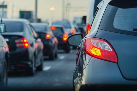 러시아워 진입로에서의 신속한 교통 체증 스톡 콘텐츠