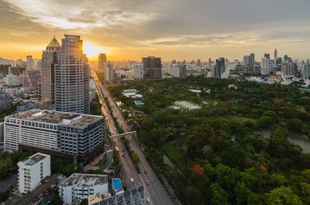 lumpini: Bangkok cityscape sunset with lumpini park