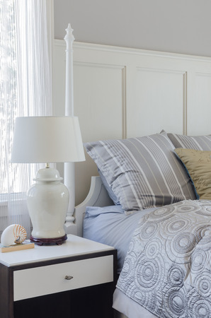 king size: pillows on king size bed in bedroom