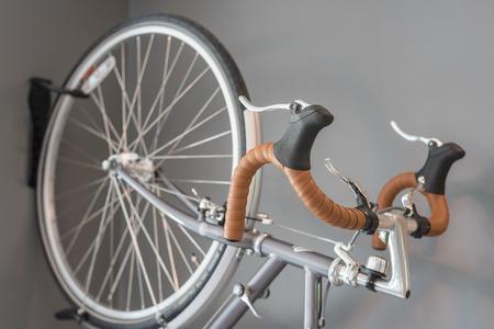 palanca de cambios: bicycle hand brake and shifter on grey background Foto de archivo