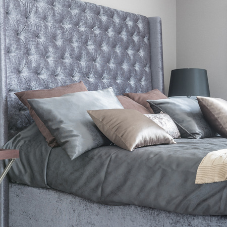 king size: luxury bedroom with king bed size classic bed style at home