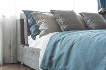 bedroom design: modern bedroom with blue color theme design