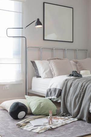 bedroom design: modern kids bedroom design with black lamp