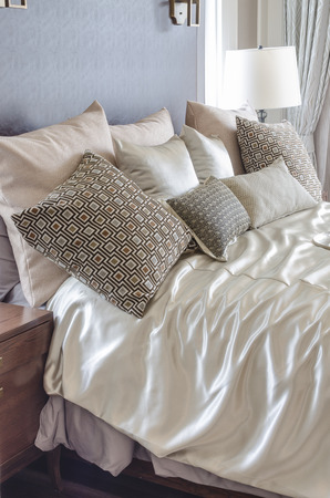 luxury bedroom: pillow on bed in luxury bedroom design