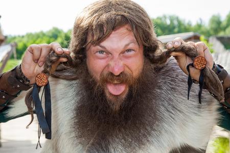 vestidos de epoca: Cara vikingo loco