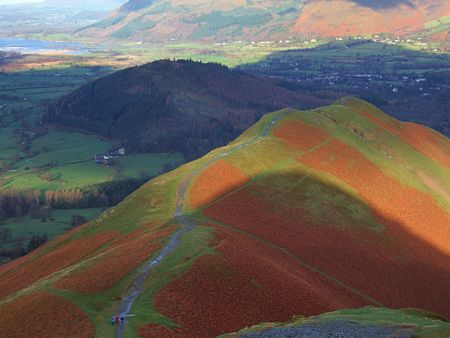 the lake district: Looking along the ridge of Catbells, a hill in the English Lake District Stock Photo