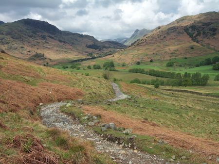 The Langdale Pikes and a footpath Stock Photo - 954724