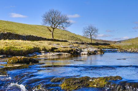 yorkshire dales: Wharfe en Wharfdale r�o en Yorkshire Dales National Park en el norte de Inglaterra.