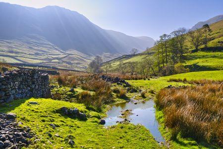 風景朝の景色の英語湖水地方国立公園 Hartsop、カンブリア州、イングランド、イギリスの近く。