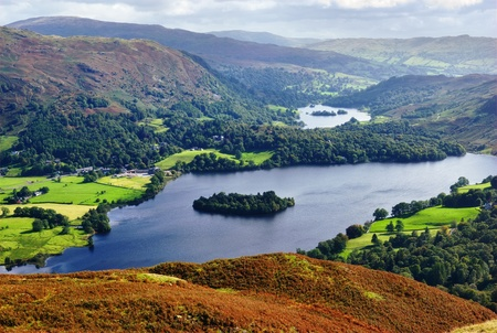 An aerial view of Grasmere from the slopes of Silver Howe. English Lake District National Park 免版税图像 - 8387172