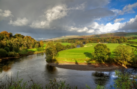 lonsdale: View of a bend in the River Lune at Kirkby Lonsdale, Cumbria