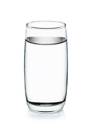 Koud water met glas geïsoleerd op de witte achtergrond. Stockfoto - 41695208