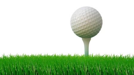 balle de golf sur le tee et l'herbe verte comme un terrain