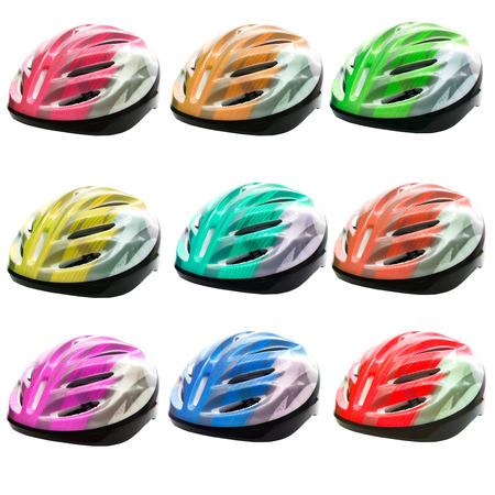 safety helmet: variedades de color del casco de seguridad de la bicicleta aislado en el fondo blanco
