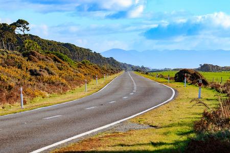 ニュージーランド南島の西海岸ベイエリアのブルースの美しい高速道路