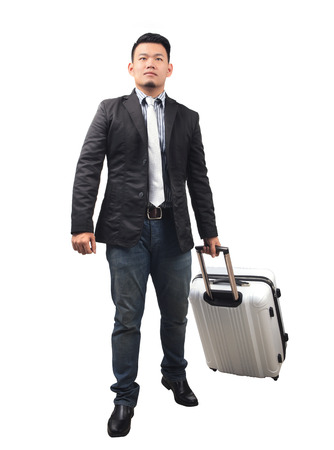 persona viajando: el cuerpo retrato de joven hombre de negocios de Asia y el equipaje que viaja aislado fondo blanco
