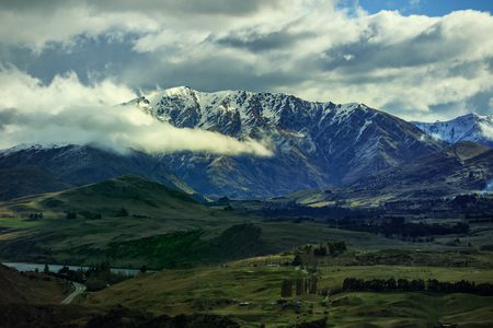 mountin: mountain in Queenstown route south island new zealand