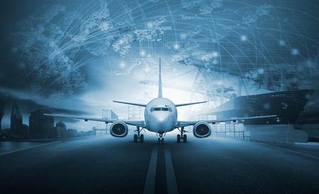 インポートで読み込みコンテナーを出荷 - 桟橋をエクスポートおよび空気貨物平面における空港運送・貨物の物流ビジネス業界の背景用