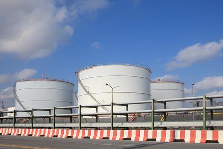 petrochemical: oil storage tank in heavy petrochemical industry estate