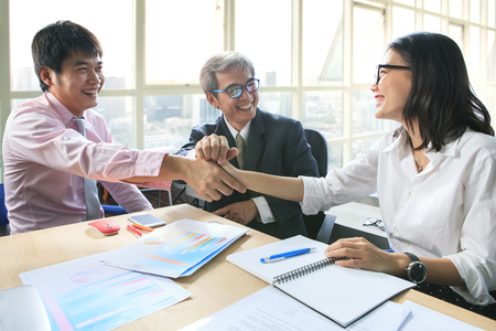 discus: business team work meeting to conflict problem solution with good condition,shaking hand