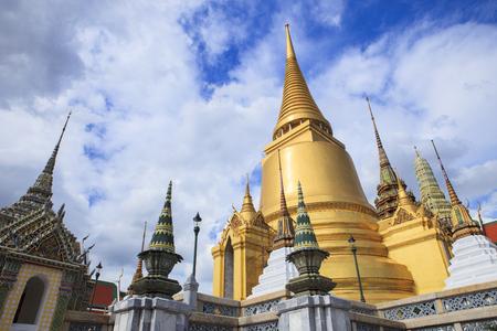 grand palace: wat prakeaw ,grand palace bangkok thailand