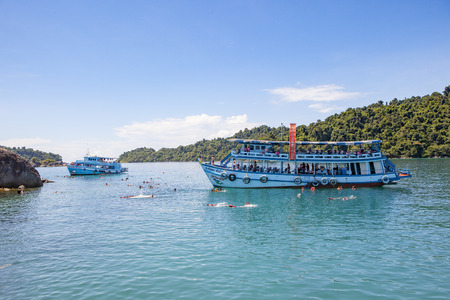 trad: TRAD THAILAND - OCTOBER 29 : tourist boat floating over snorkeling point at koh Rang island in Koh Chang national park  on october 29  , 2014 in trad thailand