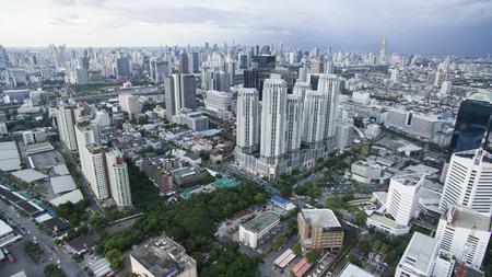 BANGKOK THAILAND - JUNI 7,2017: luchtfoto van hoge en moderne kantoorgebouw op Ratchadaphisek Road, nieuw zakencentrum zijn in kapitaal