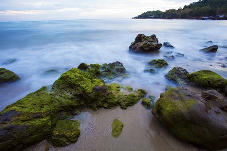 タイの美しい海の景観の長時間露光撮影 写真素材