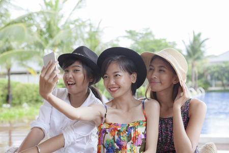 Drie stijl van asina jongere vrouw selfie fotografie mijn slimme telefoon geluk emotie