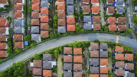 Blick von oben auf Heimat Dorf und Stadt Straße in Bangkok Thailand Standard-Bild - 81961581