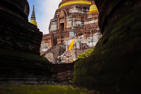 buddha statue in wat yai chai mongkol ayutthaya thailand Редакционное