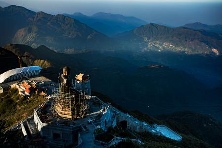 インドシナのファンシパン最高峰、ベトナム北部のラオカイ県で最も人気のある旅行先