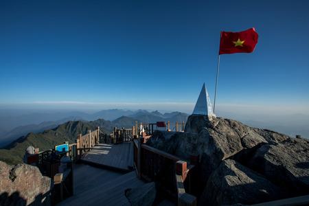 ベトナム北部インドシナサパラオカイ県のファンシパン山頂最高峰