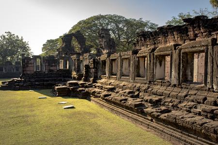 프라 삿 힌 피 마이, 태국 북부의 나콘 랏차 시마에서 중요한 역사적 여행 목적지