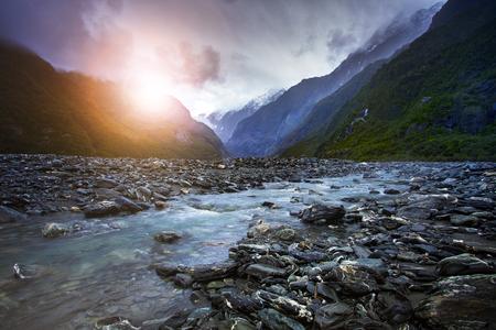 프란츠 josef 빙하의 크릭 웨스트 코스트 사우스 랜드 뉴질랜드에서 가장 인기있는 여행 목적지
