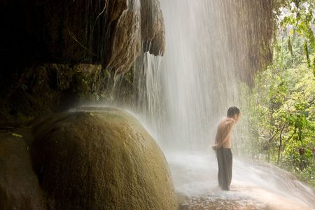 tremble: Natural shower of child in summer