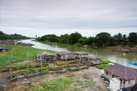 livelihood: livelihood of people at riverbank