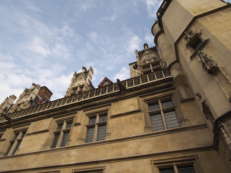 edad media: Cluny museum or National Museum of the Middle Ages