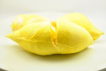 Geschlossen bis frische Durian auf wei�em Teller Lizenzfreie Bilder