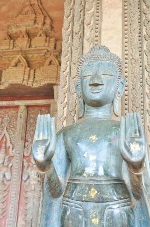 ロア寺で古い金属仏