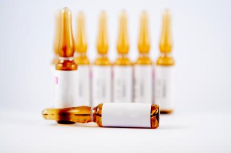 Bis braun Spritzampulle Show Medizin Darreichungsform Konzept geschlossen Lizenzfreie Bilder