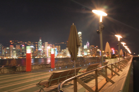 HONG KONG - 17. Januar: Die Avenue of Stars in der Nacht. Januar 17,2015 in Hong Kong.