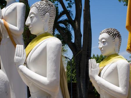Alte Buddha im Wat Yai Chai Mongkol-Tempel von Ayutthaya, Thailand