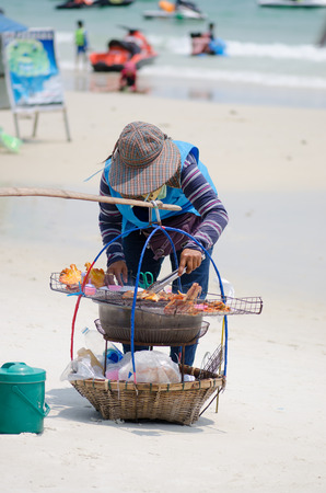 koh samet: Rayong Koh Samet, Thailand - March 15: Unidentified vendor on the beach on March 15, 2015