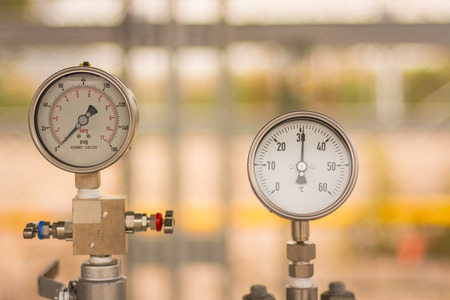 gauges: Gas circular industrial pressure gauges