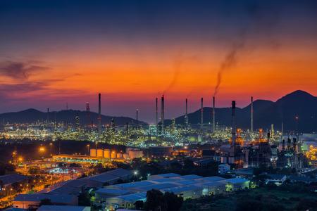 luminosity: Luminosity of oil refinery plant.