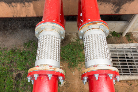 flexible: Flexible pipe and pipe connection for fire protection system.