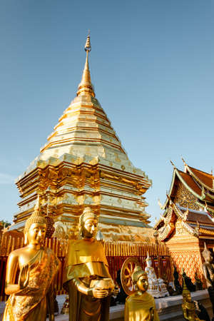 Beautiful Majestic Gold Pagoda of Spirituality Worship Place in Thailand. Historical Ancient Temple With Architecture Art of Doi Suthep, Chiang Mai. Thai Cultural and Travel Destination of Thailand. 版權商用圖片