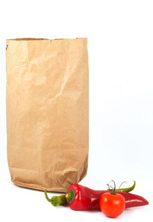 chiles secos: hortalizas con bolsa de papel  Foto de archivo