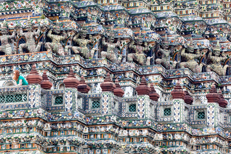 wat arun: Sitting majestically on the Thonburi side of the Chao Phraya River, Wat Arun or the Temple of Dawn